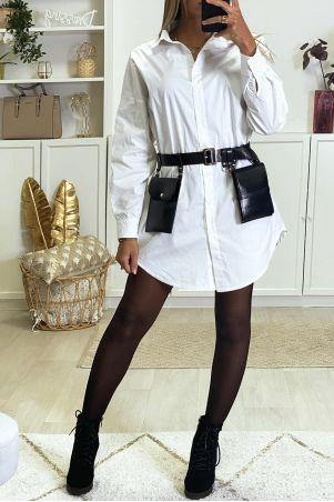 Lang oversized wit overhemd dat zonder riem wordt verkocht
