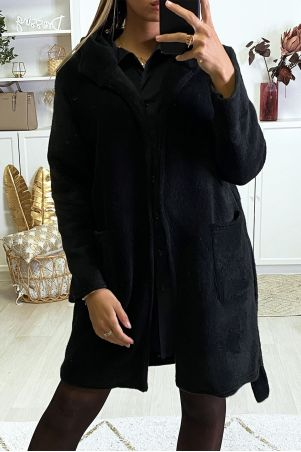 Duffle jacket in black with belt and hood pockets
