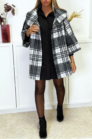 Oversized black checked coat with pockets