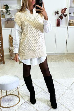 Beige mouwloze trui met V-hals en splitjes aan de zijkanten
