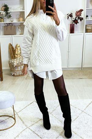 White sleeveless V-neck sweater with slits on the sides