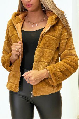 Camelkleurige jas van imitatiebont