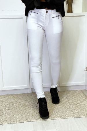 White slim pants in strech with zip and pockets