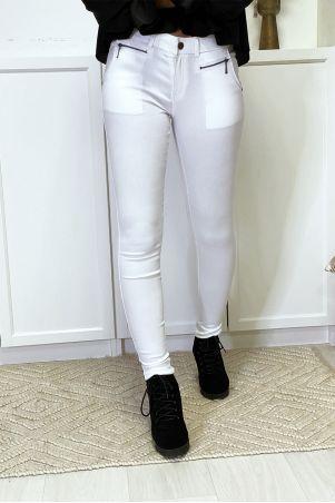 Witte slimfit broek in stretch met ritssluiting en zakken