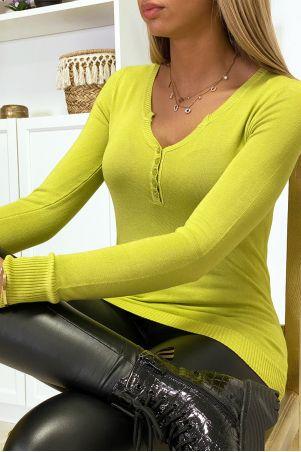 Pull vert anis avec boutons au col en maille tricot très extensible et très doux
