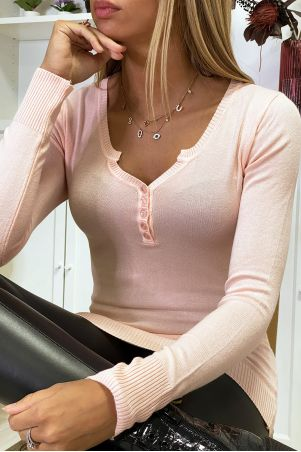 Fuchsia round neck sweater in very stretchy and very soft knit