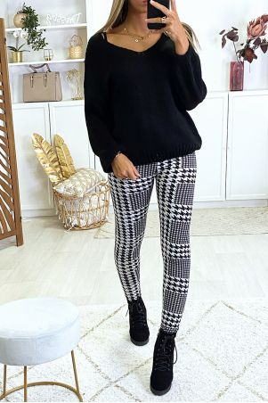 Leggings with gingham pattern on the front and faux leather on the back