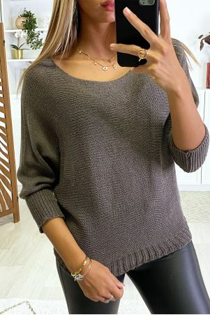 Taupe sweater with knitted boat neck and bat sleeve. 16300
