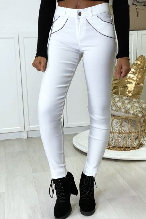 White slim pants in strech with zip and suede at the front