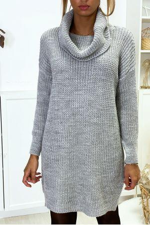 Robe pull gris bien épais avec col tombant