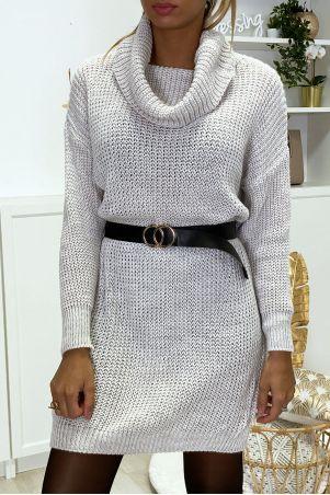 Robe pull beige bien épais avec col tombant