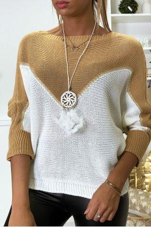 Pull camel blanc et doré coupe chauve souris avec collier