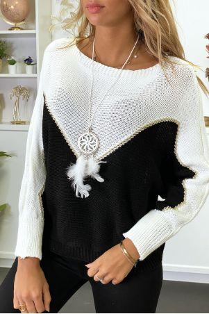Pull blanc noir et doré coupe chauve souris avec collier