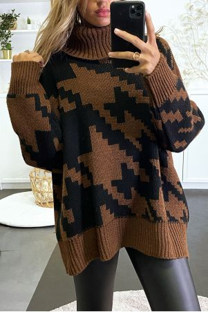 Large brown oversized turtleneck sweater with gingham pattern