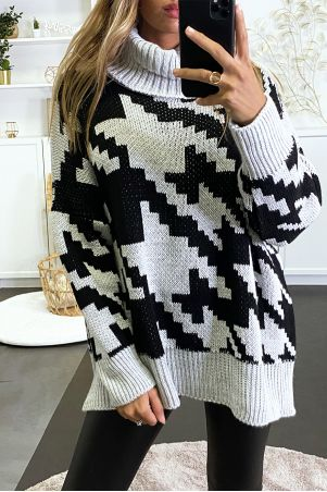 Large oversized gray turtleneck sweater with gingham pattern