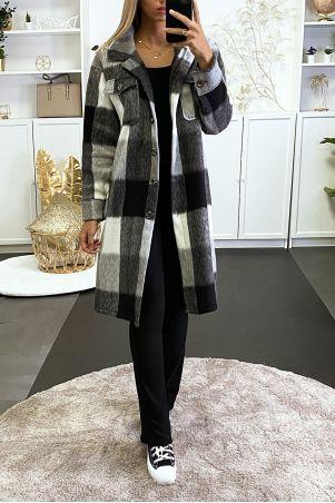 Longue sur chemise à carreaux noir et gris