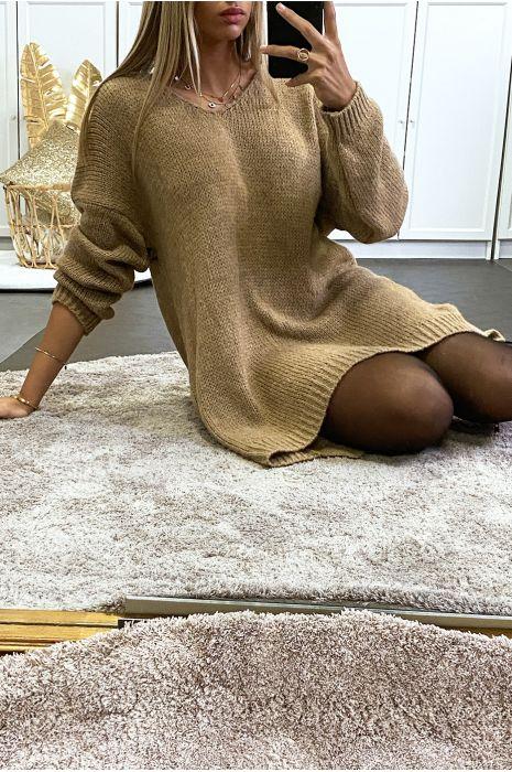 Robe pull moutarde tombant composé de laine