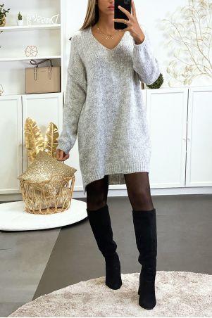 Robe pull gris tombant composé de laine