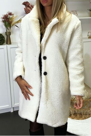 Manteau teddy bear blanc avec poches. Mode femme collection