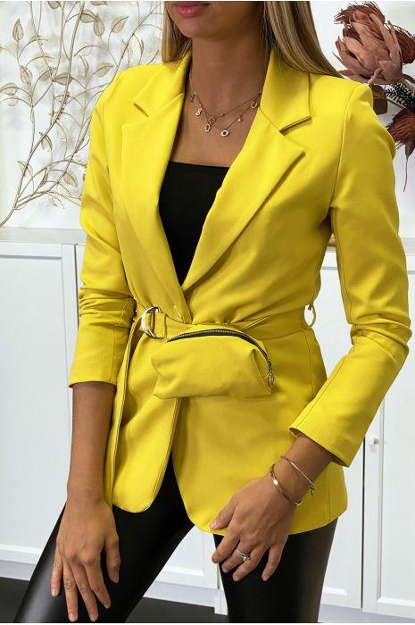 Blazer jaune avec ceinture et pochette