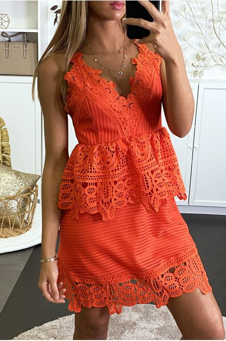 Robe orange avec crochet superposé et dos nu
