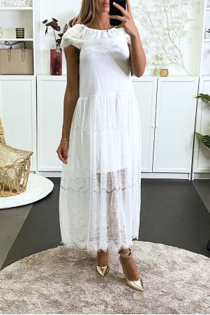 Long white lace dress with boat neck and lined