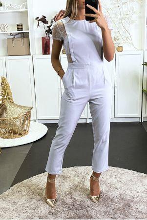 Combinaison grise avec poches et dentelle sur les cotés