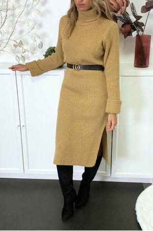 Lange dikke camel sweaterjurk met split verkocht zonder riem