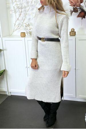 Lange, zeer dikke beige sweaterjurk met split, verkocht zonder riem