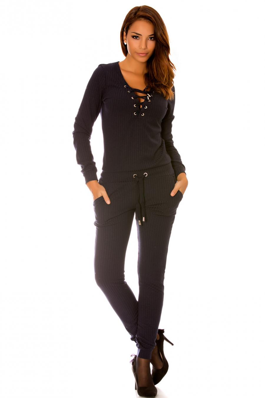 Combinaison fashion en maille marine avec lacet au col. Combinaison femme wj7115