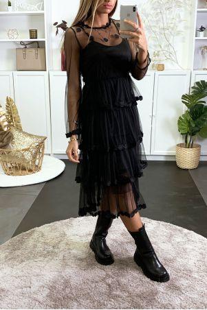 Lange geborduurde zwarte tule jurk met een jurk aan de binnenkant
