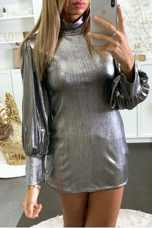 Shiny silver evening dress with puff sleeves