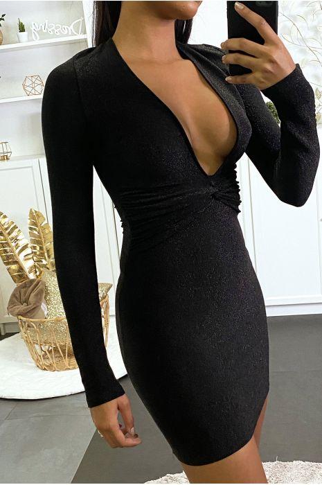 Robe noir brillante très décolleté
