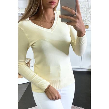 Pull jaune col V en maille tricot très extensible et très doux