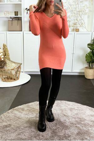 Koraalkleurige sweaterjurk met V-hals van zeer rekbaar en zeer zacht breisel