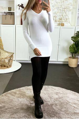 Robe pull col V blanc en maille tricot très extensible et très doux