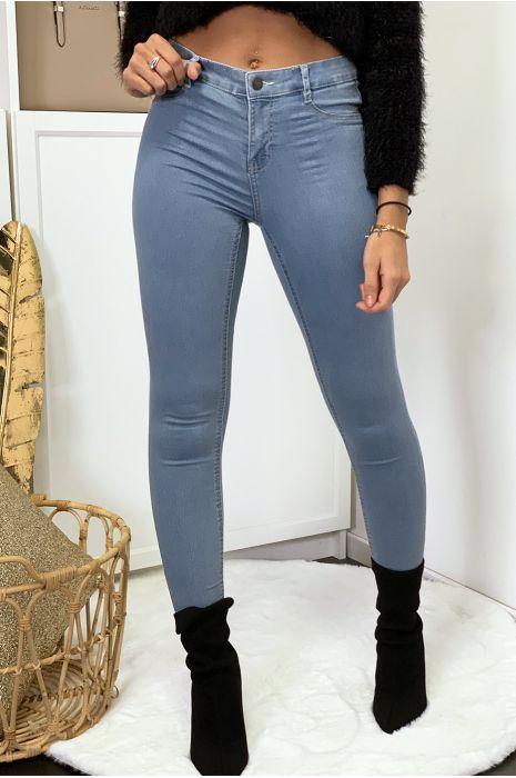 Jeans slim bleu clair avec poches arrière