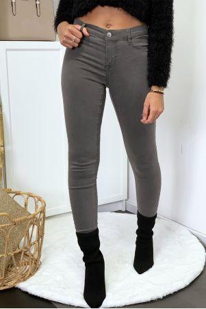 Jeans slim bleu brut avec poches arrière