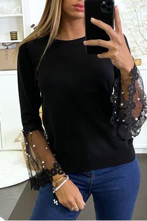 Pull noir avec tulle brodé et perlés aux manches