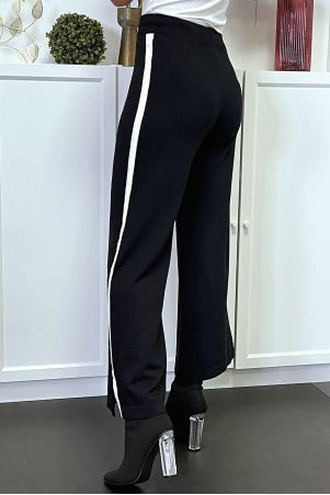 Black fluid palazzo pants with white band