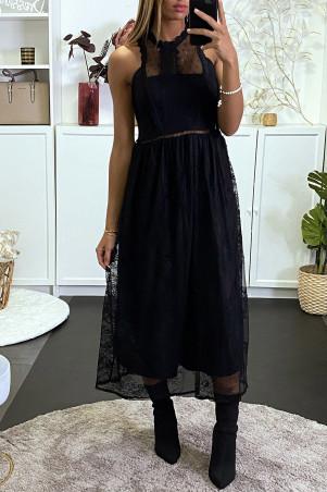 Robe longue noire en dentelle et doublure sans manches