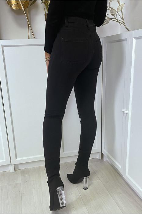 Jean noir taille haute à poches arrières