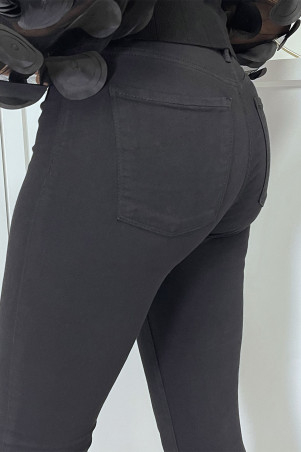 Black high waist slim jeans with back pockets