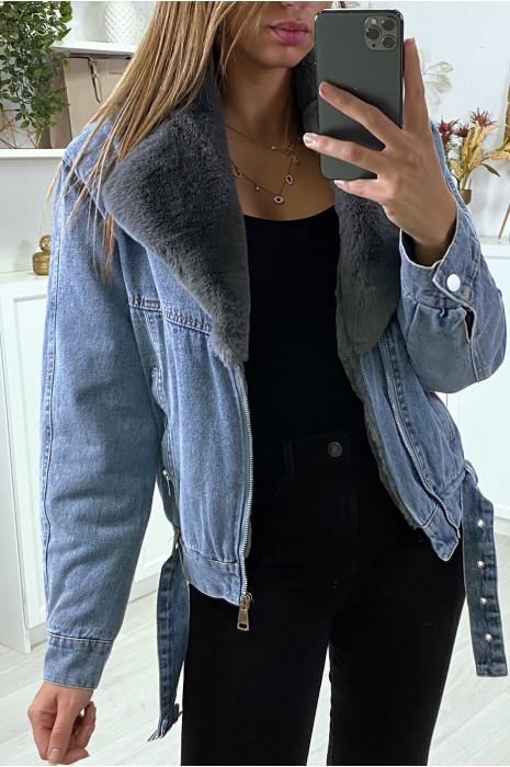 Veste en jean bleu avec col en fausse fourrure grise