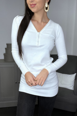 Long pull blanc avec décolleté réglable brillant et ouverture au dos