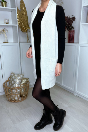 Long white mesh cardigan, sleeveless, open back and pockets