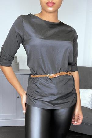 Blouse noire satinée avec ceinture