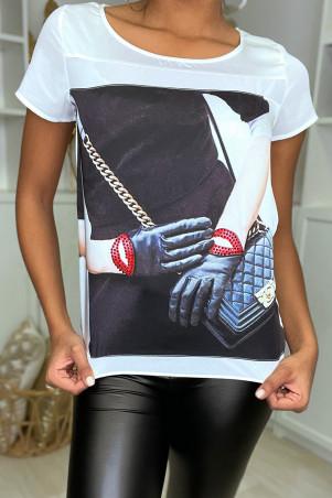 Wit asymmetrisch satijnen t-shirt met modelogo