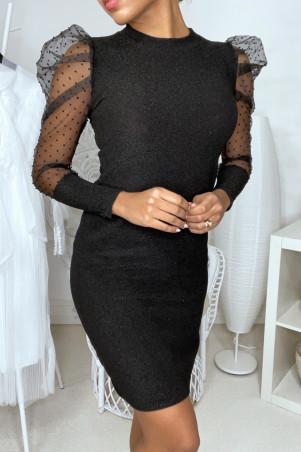 Robe noire brillante avec manche en voile plumetis