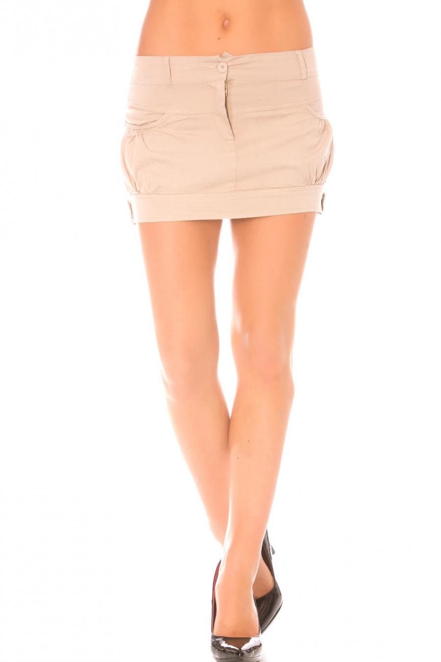 Jupe Beige courte à poches. Jupe